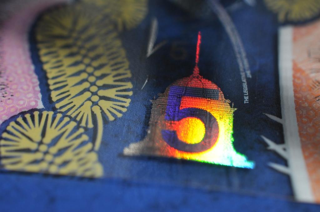 【豪華絢爛】オーストラリア新5ドル紙幣が綺麗すぎてすごい【紙幣シリーズ】