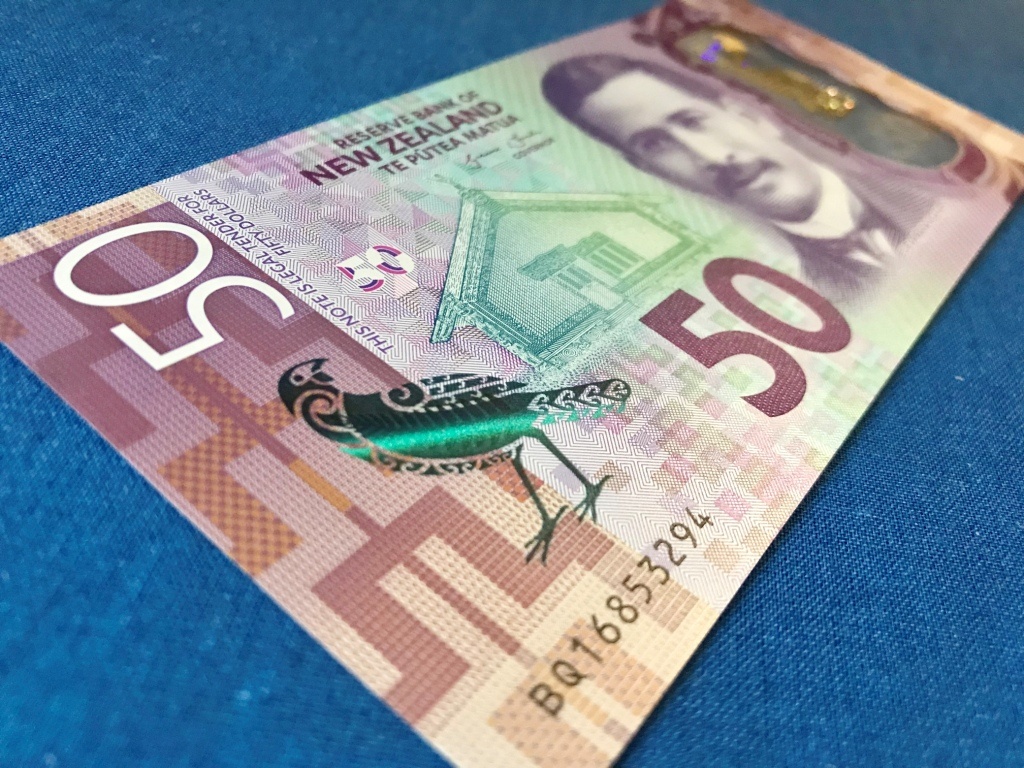 【2019年 最新】ニュージーランド 新50ドル紙幣の魅力に迫る!製造年は?特徴は?材質は?